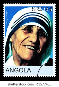 ANGOLA - CIRCA 2005: A postage stamp printed in Angola showing Mother Teresa, circa 2005