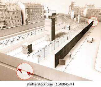 Die Berliner Mauer war eine bewachte Betonmauer, die Berlin von 1961 bis 1989 physisch teilte. Die Barriere umfasste Wachtürme, begleitet von einem breiten Gebiet, militarisiert. Fluchtversuch, 3D-Rendering