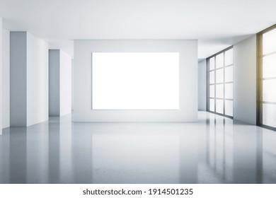 Grosses weißes Plakat auf Beton Wand in leerem hellen Raum mit glänzendem Boden und Stadtblick. Geh nach oben. 3D-Rendering