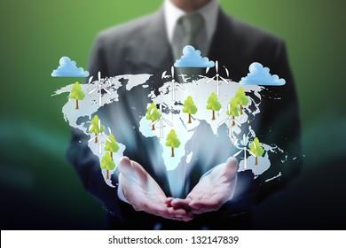 empresarios muestran el eco mundo virtual a mano.
