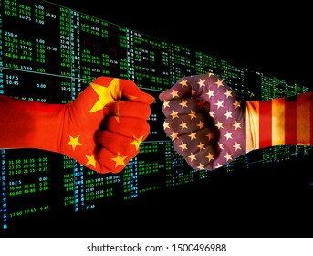 Combining the Chinese flag with the American flag (the background of the stock index) with fists, it tells the concept of trade war, communication and dialogue.