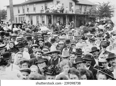 Crowd for waiting for candidate William Taft's (1857-1930) whistle-stop train during the western tour of his successful campaign for the US Presidency in 1908.