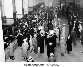 Crowds in the lobby of a Detroit Bank New National Bank opened in Detroit formed by Capital Subscribed by General Motors Corp and the Reconstruction Finance Corporation.
