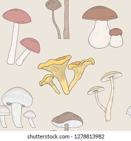 Different mushrooms seamless pattern. Hand drawn fungi. Armillaria, blewits, boletus, chanterelle. Colorful illustration pattern