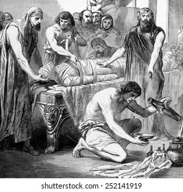 Embalming in ancient Egypt, engraving 1892