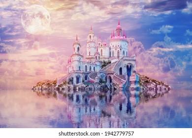 月と幻想的な風景。 不思議の国の背景。 古城を持つ美しい島は、夕日の水に映る。