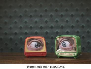funny little TVs, illustration