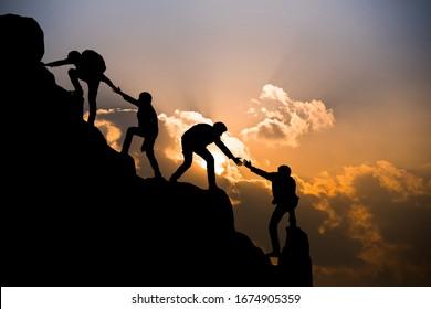 Gruppe der BergBergsteiger und Bergsteiger , Erfolgskonzept für Reitertrekking
