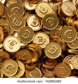 heap of gold coins with euro sign. 3d illustration.