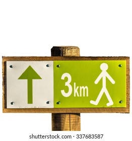 Hiking sign with distance 3 km