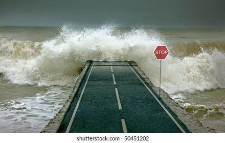 Huge waves, covering highway