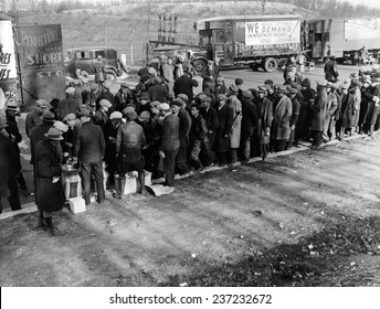 Hunger Marchers breakfast just outside Washington DC, December, 1932.