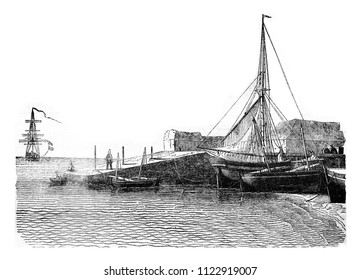 Pier of the island of Aix, Charente Bottom, vintage engraved illustration. Magasin Pittoresque 1841.