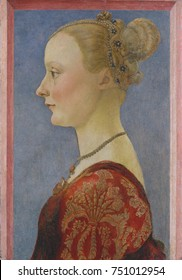 PORTRAIT OF A WOMAN, by Piero del Pollaiuolo, 1480, Italian Renaissance painting, tempera on wood. Profile of a young Florentine woman. Linear elements define the figure with subtle modeling