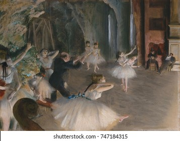 The Rehearsal Onstage, by Edgar Degas, 1874, French impressionist drawing, pastel on paper. In a second version of the rehearsal, Degas has eliminated several figures and created a less cluttered pict
