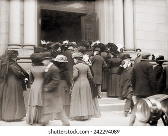 A run on a New York savings bank on January 9, 1911. 20th century banking reforms, the Federal Reserve Act of 1913 and Banking Act of 1933, imposed regulation and deposit insurance on banks.