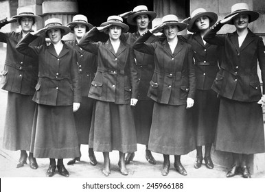 San Francisco Yeomanettes attached to the Naval Reserve, Twelfth District. Over 11,000 enlisted women served during WWI. June 1918.