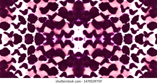 Seamless Predator Pattern. Cobra or Phyton Wild Surface. Trendy Exotic Background. Pink and White Rapport. Aquarelle Grunge Fabric. Watercolor Predator Pattern.