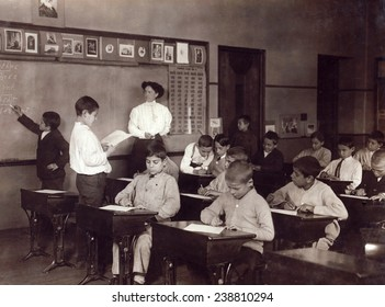 The Steamer Class in the Washington School. Boston, Massachusetts. Photo by Lewis Wickes Hine, October, 1909