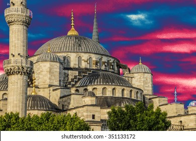 Sultan Ahmet Camii ( Blue Mosque ) in the morning  Sultan Ahmet Camii ( Blue Mosque ) in Istanbul, Turkey