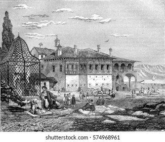 Tomb of Ali Pasha, in a courtyard of the palace of Yanina, vintage engraved illustration. Magasin Pittoresque 1844.