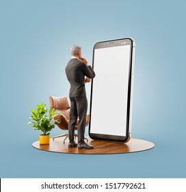 Inusual 3d ilustración de un hombre de negocios con traje negro parado en un gran smartphone y usando una aplicación para smartphones. Concepto de aplicaciones de smartphone.