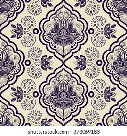 Vector Damask seamless pattern. Monochrome vintage background