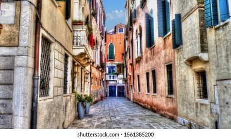 Venice Backstreet - the road to Rialto, an interpretation