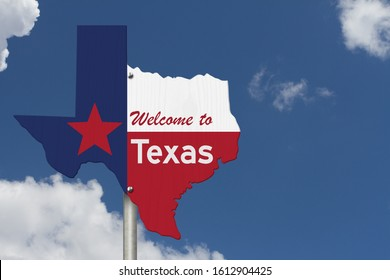 Welcome to the state of Texas road sign in the shape of the state map with the flag with sky background 3D Illustration