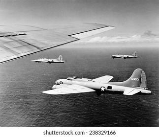 World War II, U.S. airplanes flying, ca 1940-1946.