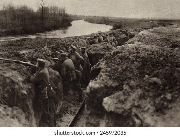 WWI. German troops holding a first-line trench on the river bank. Possibly during the Aisne Offensive, in May 27-June 4th, as part of 1918 German drive when they came within 56 kilometers of Paris.