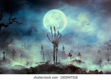 Die Zombie-Skeletthand-Hand steigt aus dem Grab. Halloween-Design mit Zombie-Friedhof