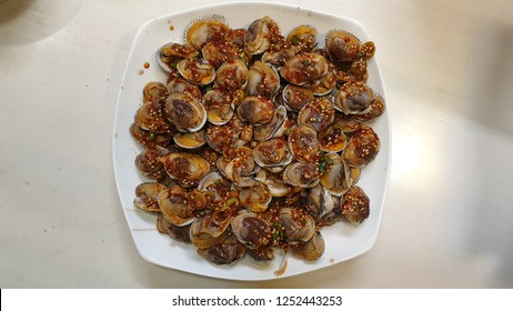 Boiled cockles with a soy sauce
