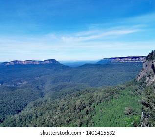 a beautiful scenery of katoomba