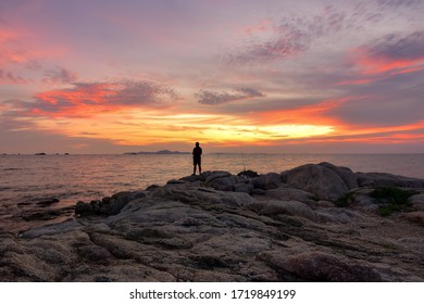 Pattaya​ Chonburi​ / Thailand​ -​April​ 25​ 2020​ :  The​ Pattaya​ beach​ fishing​ sunset​ sky​ and​ vacations​ relax​ holiday​ and​ travel​ background​ nature​ outdoor​ and​ landmark​ Chonburi​
