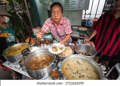 01/10/2020 Thailand. A delicious street food vendor prepares and sells Thai noodle soup in Thai restaurant. Barbecue srimps prawns. Thailand, Ko Pha Ngan. street food concept