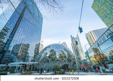 01/22/2018 : View of Amazon the Spheres at its Seattle headquarters and office tower in Seattle WA D.C USA.