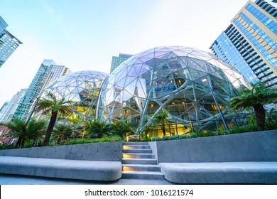 01/22/2018 : View of Amazon the Spheres at its Seattle headquarters and office tower in Seattle WA  USA