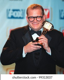 01FEB99:  Comedian DREW CAREY at the 1st Annual TV Guide Awards in Los Angeles. He won the Editors' Award.  Paul Smith / Featureflash