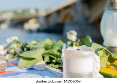 02.06.2019, Hungary, Budapest Many candles lights on the place of hungarian boat accident. Budapest boat accident: At least 7 dead, 21 missing after collision.