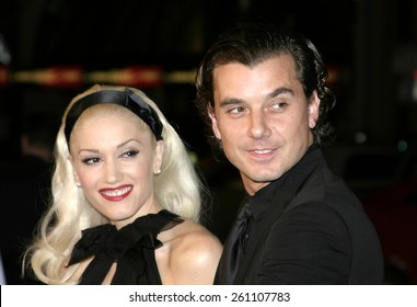 """02/16/2005 - Hollywood - Gwen Stefani and Gavin Rossdale at the """"Constantine"""" Film Premiere at Graumans' Chinese Theatre in Hollywood."""
