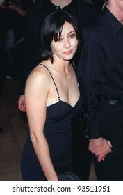 "04DEC98:  ""Beverly Hills 90210"" star SHANNEN DOHERTY at Beverly Hills Christmas party given by Spelling Entertainment Group for the casts of their TV shows.  Paul Smith / Featureflash"