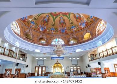 05.01.2018, Gravesend, Kent,UK. Dome and Manji Sahib inside Guru Nanak DarbarGurdwara, the magnificent sikh temple ( Gurdwara )  in Gravesend Kent