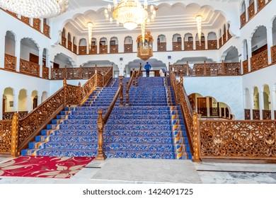 05.01.2018, Gravesend, Kent,UK. Main staircase inside Guru Nanak DarbarGurdwara, the magnificent sikh temple ( Gurdwara )  in Gravesend Kent