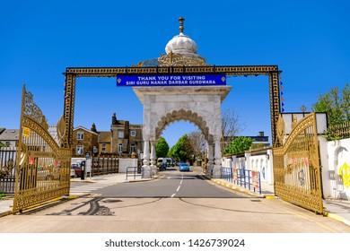 05.01.2018. Kent, UK. Entrnce to Guru Nanak DarbarGurdwara, the magnificent sikh temple ( Gurdwara )  in Gravesend Kent
