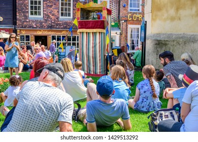06.03.2018. Kent, UK. Children gather to watch a traditional Punch and Judy show