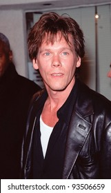 """06OCT99:  Actor KEVIN BACON at the world premiere in Los Angeles of """"Fight Club"""" which stars Brad Pitt, Edward Norton & Helena Bonham Carter.                           Paul Smith / Featureflash"""