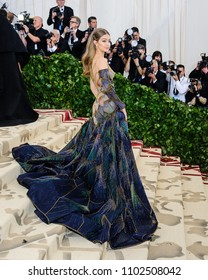 "07 May 2018 - New York, New York - Gigi Hadid. 2018 Metropolitan Museum of Art Costume Institute Gala: ""Heavenly Bodies: Fashion and the Catholic Imagination"