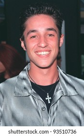 """07JUL99:  Actor THOMAS IAN NICHOLAS at the world premiere of his new movie """"American Pie""""  at Universal City, Hollywood.  Paul Smith / Featureflash"""