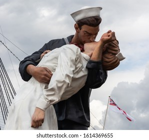 08/13/2019 Portsmouth, Hampshire, UK A statue of a sailor kissing a girl located in Portsmouth dockyard, replicating the famous photo taken in time square at the end of world war two